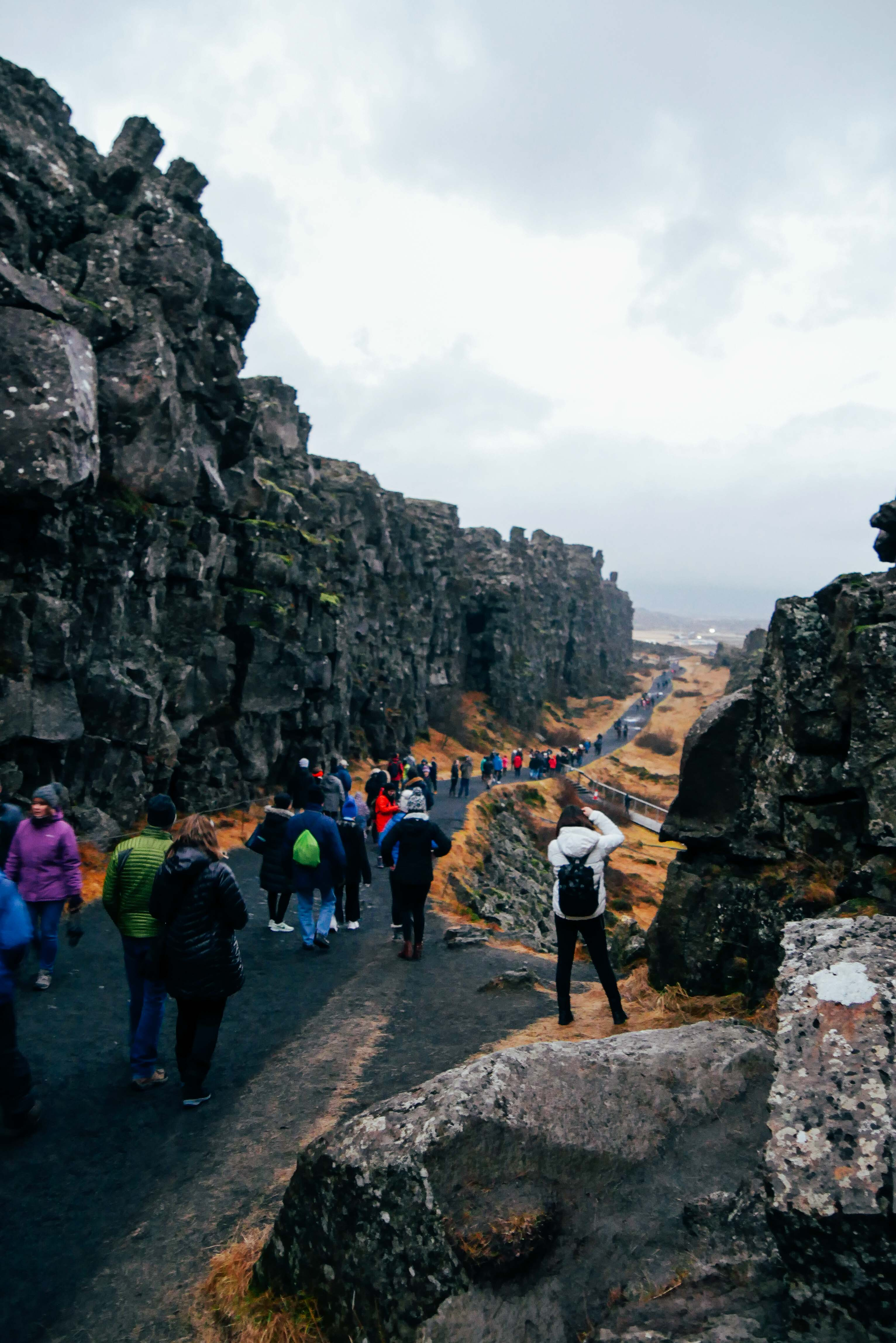 Compact Guide, to West Iceland.