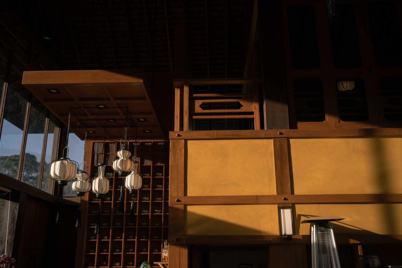 เลาะลำธาร บ้านต้นไม้ แคมป์ปิ้งยามเย็น แช่Onsen และเก็บใบชา ปลายหนาวนี้ที่ 'เชียงใหม่'