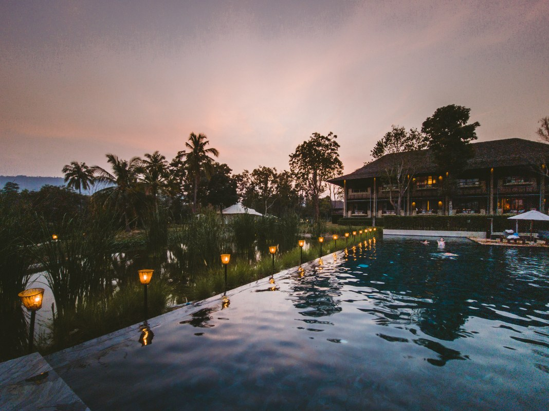 Luxury Staycation, Everyday Epic with Galaxy S21
